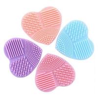Renkli Kalp Şekli Temiz makyaj Fırçalar Yıkama Fırçası Silika Eldiven Scrubber Kurulu Kozmetik Temizleme Araçları için makyaj fırçaları