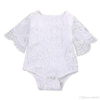Beaux cadeaux bébés filles blanc volants manches barboteuse infantile dentelle jumpsuit vêtements tenues de costume