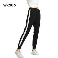 WKOUD Kadınlar Pantolon Yan Çizgili Sweatpants Bahar Ayak Bileği Uzunlukta Gevşek Harem Pantolon Siyah ile Beyaz Kadın Gündelik Giyim P8095