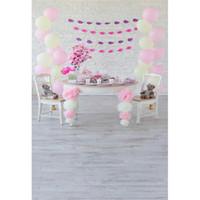 Bebek Kız Doğum Günü Partisi Fotoğraf Arka Planında Ahşap Zemin Baskılı Teddy Bear Balonlar Tuğla Duvar çocuklar Çocuk Fotoğraf Çekimi Arka Plan