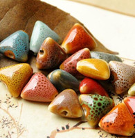 50 pcs 14mm, tamanho do furo cerca de 2mm forma de triângulo contas de Porcelana, cor misturada, cerâmica DIY contas soltas jóias encontrar