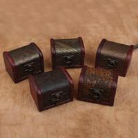 Custodia per gioielli vintage scatola di immagazzinaggio di gioielli Mini contenitore di fiori in legno con decorazioni in metallo Scatole in legno fatte a mano