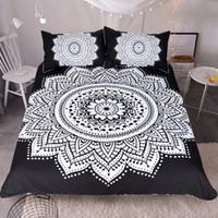 a332e679e9 Frete grátis preto branco mandala floral têxtil de casa 1 pc capa de  edredon2 pcs fronhas boêmio estilo nacional conjunto de cama