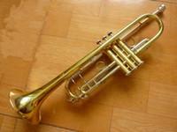 Ağız ile Yüksek Kaliteli Henlucky TR-8333 Bb Trompet B Düz Pirinç altın kaplama Trompet Profesyonel Performans Aletleri