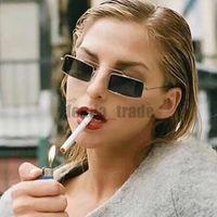 HOT Luxus neue Art und Weise Weinlese-Sonnenbrille-Frauen-Marken-Designer-Retro Sunglass Punkte Frauen Weiblich Männlich Dame Sunglass Platz eyewear 10pcs