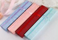 24pcs / lot Elegant Bowknot Collar largo Pulsera de la Pantalla de la Pantalla Caja de regalo de la joyería