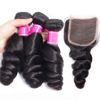 Billigt hår brasilianska mänskligt hår väv Lös våg hår förlängning med 4 * 4 spets topplåsning lös vågig väv med spetsstabell