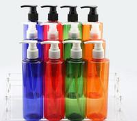 Flache Schulter-nachfüllbare 250ml PET-kosmetische Plastikflasche mit Schraube, Spray, die Creme-Pumpenkappen, die benutzt werden, um die meiste Flüssigkeit zu teilen