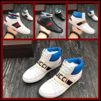 13df2ffc1212 2018 Hochwertige Hochwertige Mode Männer High Top Britischen Stil Rrivet  Kausalen Luxus Schuhe Männer Rot Gold