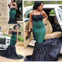 黒人の女の子スパゲッティストラップのための2018年アフリカのダークグリーンマーメイドレースのウエディングドレス3D花プラスサイズのイブニングパーティーガウン2K17