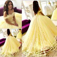 Robes de bal magnifique jaune Quinceanera de l'épaule appliques 3D-Floral robes de bal 2019 nouvelle arrivée douce 16 robe robes de bal bon