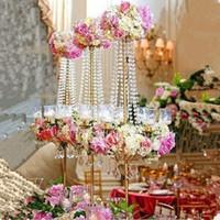 새로운 스타일의 우아한 키가 큰 금속과 크리스탈 촛대의 중앙에있는 결혼식 금, 키가 큰 촛대 5 팔 장식 best0096