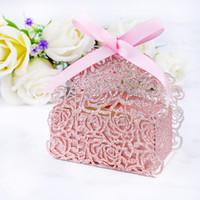 50 adet / grup Lazer Kesim Gül Glitter Kağıt 2 In1 Gül Çiçek Düğün Favor Şerit Şeker Kutuları Hediye Kutuları Düğün Parti Favor Dekor