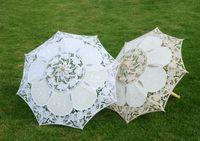 Preiswerte Weinlese-Hochzeits-Sonnenschirm-Palastart weißer Sonnenschirm-Spitze-Regenschirm für Hochzeitsfest Brautlattenspitze handgemacht