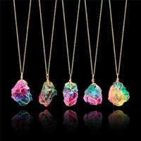 Collana con ciondolo in pietra arcobaleno Collana con ciondolo in quarzo con catena in cristallo color oro per i regali delle donne