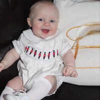 고품질 영국 스타일 아기 장난 꾸러기 여름 반팔 100 % 코 튼 아기 romper 자 수 솔더 카트 디자인 소년 소녀 romper
