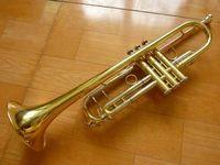 Ağızlık Bb B Düz Pirinç altın kaplama Trompet ile Henlucky TR-8333 Yüksek Kalite Trompet Profesyonel Performans Aletleri