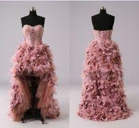Şaşırtıcı Tüy Tasarımcı Hüsniye Moda Yüksek düşük Sweetheart Aplike Dantel Ruffles Kısa Ön Uzun Arka yeni Akşam Örgün törenlerinde Elbise Parti