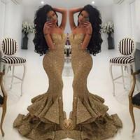 반짝이는 골드 장식 조각 인어 공주 정식 드레스 새로운 스파게티 오픈 백 프릴 스윕 기차 스윕 이브닝 드레스 드레스 드레스