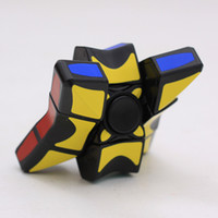 Gyro Cube Bambini Puzzle Giocattoli Plastica Nero Matrix Fingertip Gyro Fidget Spinner Finger Revolving Magic Cube Puzzle Smooth Toy