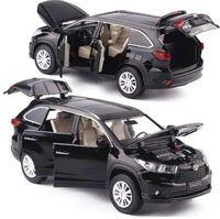 1:32 Liga Diecast Som e Luz modelo menino carros de brinquedo Seis Porta Aberta Puxar Para Trás dos brinquedos do carro para as crianças presentes de Natal Festival