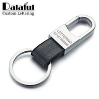 Dalaful مخصص حروف جلد طبيعي الرجال سلاسل مفتاح حامل بسيط كيرينغ المفاتيح الموجودة ل اكسسوارات السيارات حزب هدية