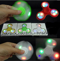 2018 LED Fidget Spinner con interruttore di accensione Finger 3 Modello Flash Spinning Decompression Fingers LED Hand Finger Spinner Free DHL