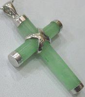 Оптовая естественный зеленый черная красная желтая синяя белого нефрита оболочка крест кулон 2pc / серия