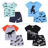 Bebek Erkek Dinozor Baskı Kıyafetler Çocuk Şerit Üst + Şort 2 adet / takım Yaz Takım Elbise Butik Çocuk Giyim Setleri 19 Renkler C4536