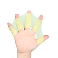 1 باري من السيليكون اليد السباحة الزعانف زعانف قفازات الأصابع سريع المجذاف الويب الأخضر S