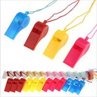 Renkli plastik Düdük! Spor oyunu parti Noel! Güzel şık Whistles Toptan ucuz sıcak popüler Gürültü yapımcısı