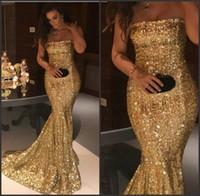 Balayage train slinky élégante sans bretelles robe de bal d'or de paillettes longue robe de soirée de sirène meilleur robe de nuit d'or en ligne