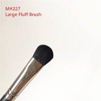 MACJAPAN 227 Large Fluff Brush - Eye area Shader Eyeshadow B...