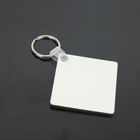 En gros 100 pcs bricolage MDF blanc clé chaîne carrée sublimation en bois clé tag anneau pour le transfert de presse de chaleur photo logo navire sans cadeau