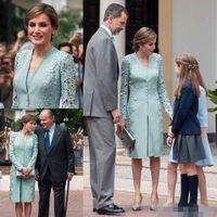 2019 Nueva llegada Vintage Lace Stain Madre de los vestidos de la novia con la cubierta de la chaqueta Vestido de invitado de la boda con la longitud de la rodilla. Vestido formal de la madre
