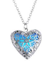 Frete grátis Europeus e Americanos moda jóias coração oco coração oco glow-in-the-dark colar luminosa pingente de moda clássico de