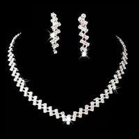 Parure di gioielli Set di gioielli per feste di moda placcati in argento nobile Orecchini per spose Set di gioielli da sposa con strass per damigelle