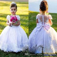 Land Blumenmädchen Kleider Ballkleid Jewel Mütze Hülse Bodenlangen Mädchen Pageant Kleider mit Spitze Applique Bogen für Hochzeitsfeier
