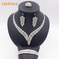 Hadiyana Shinning Pflastern CZ 4 stücke Schmuck Sets Frauen Hochzeit Dubai Zirkonia Halskette Schmuck-Set Mit Ohrringe Armband Ring CN300