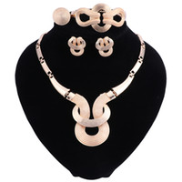 2018 Mode Afrikanische Große Perlen Schmuck-Set für Frauen Braut Hochzeit Zubehör Halskette Ohrringe Ring Armband Sets