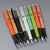 الترقيات الفاخرة نافورة القلم مع جينهاو العلامة التجارية f nib الطالب الكتابة الخاصة القلم المعادن جودة عالية القرطاسية لوازم الحبر الأقلام