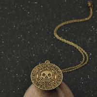 Bronce de la vendimia Moneda de oro Pirate Charms Aztec Coin Necklace Película de los hombres Collares pendientes para Lady Xmas Gift Accesorios de moda GGA1090