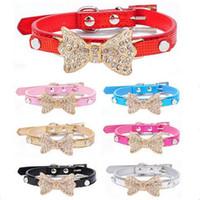 ventes Hot cool Colliers petits chiens Bling Crystal Bow cuir Pet Collar Puppy Choker laisse de harnais de chien Collier de chat pour chiens chats