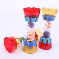 تصميم جديد الطفل البلاستيك حمام اللعب السباحة المياه whirly العصا كأس الماء الروتاري استنزاف عمود الشاطئ لعب للأطفال أطفال الأولاد هدية