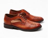 بروغ أحذية الرجال جلد طبيعي منحوتة اللباس شيوس الصنادل عارضة الذكية مصارع القصاصات تنفس الصيف الشقق متعطل