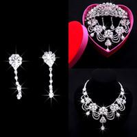 Accesorios de novia de boda de lujo Crown Crown Crown Tiara Pendiente Collar de joyería de tres piezas Conjunto de la joyería de la joyería para la novia