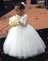 Robes de fille de fleur blanche 2018 manches longues en dentelle appliques encolure dégagée longueur au sol première communion robe fille robe pour robes de mariée