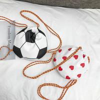 Kinder Handtaschen Kinder Schultertasche neueste Art und Weise Fußball-Form-Entwurfs-Taschen Baby-Mädchen-Jungen nette Rucksack Kinder Snacks Beuter Portemonnaies