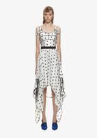 2019 الصيف desinger الفساتين نجمة المطبوعة حمالة غير النظامية الأبيض المدرج اللباس عارضة بوهو vestidos vestidos