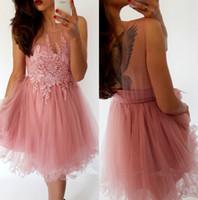 2018 peau rose pure tulle une ligne robes de rentrée de corps dentelle applique perlée longueur genou courte courte paillasse robe cocktail